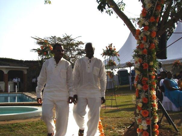 Celebrity wedding gaetano kagwa wedding decoration ideas studio 53 presenter and former big brother housemate gaetano wed his sweetheart enid in 2009 in kampala uganda lets have a sneak peak on their wed junglespirit Choice Image