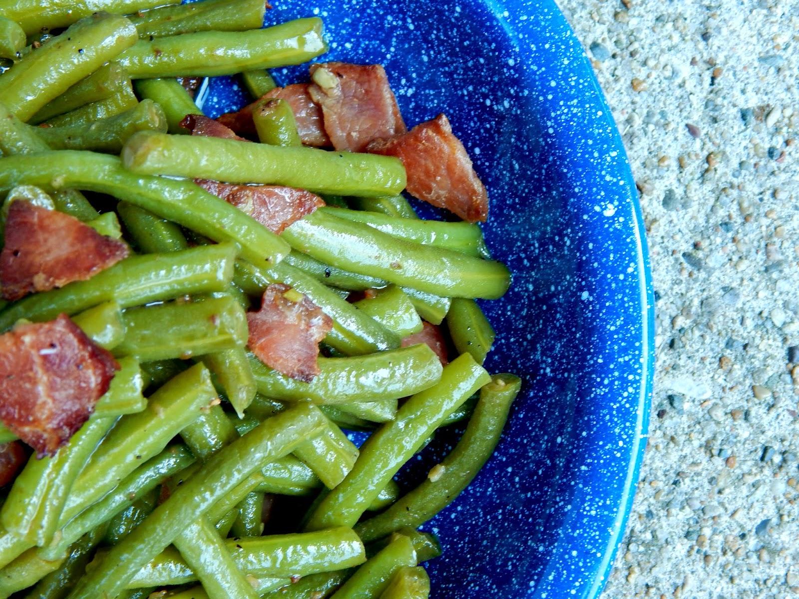garden skillet green beans (sweetandsavoryfood.com)