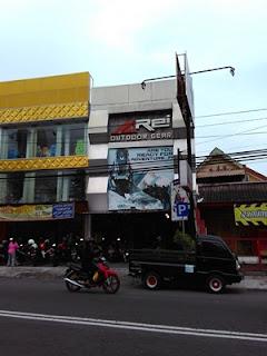 Rei Adventure Store Yogyakarta jalan Kaliurang