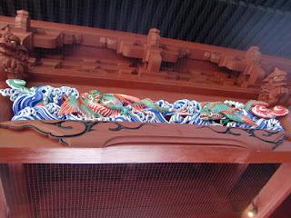 妙本寺二天門の龍