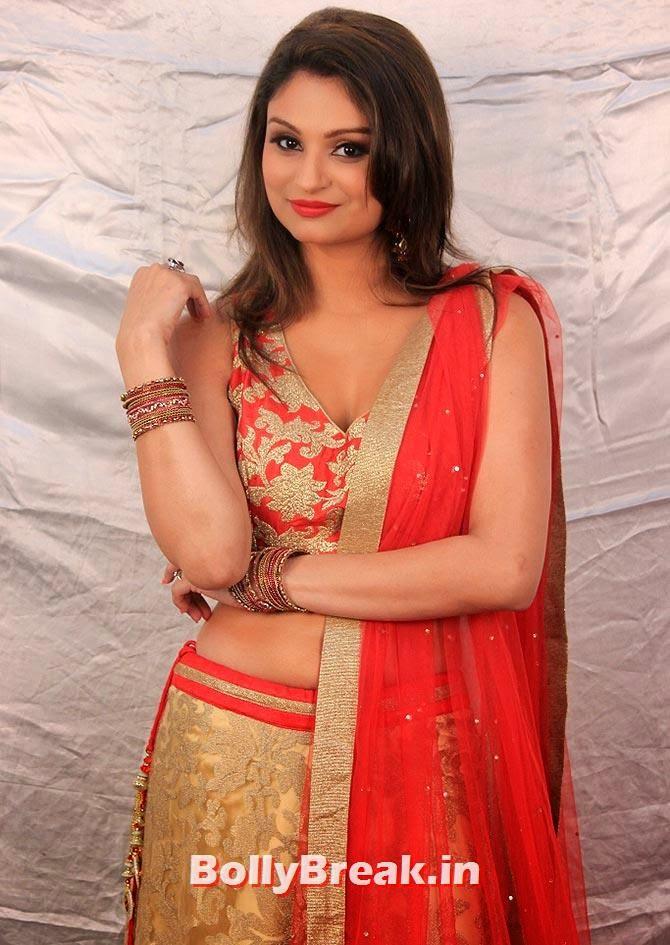 Dimpy Mahajan, Bigg Boss 8 Contestants Fashion Report - Who's has best fashion sense?