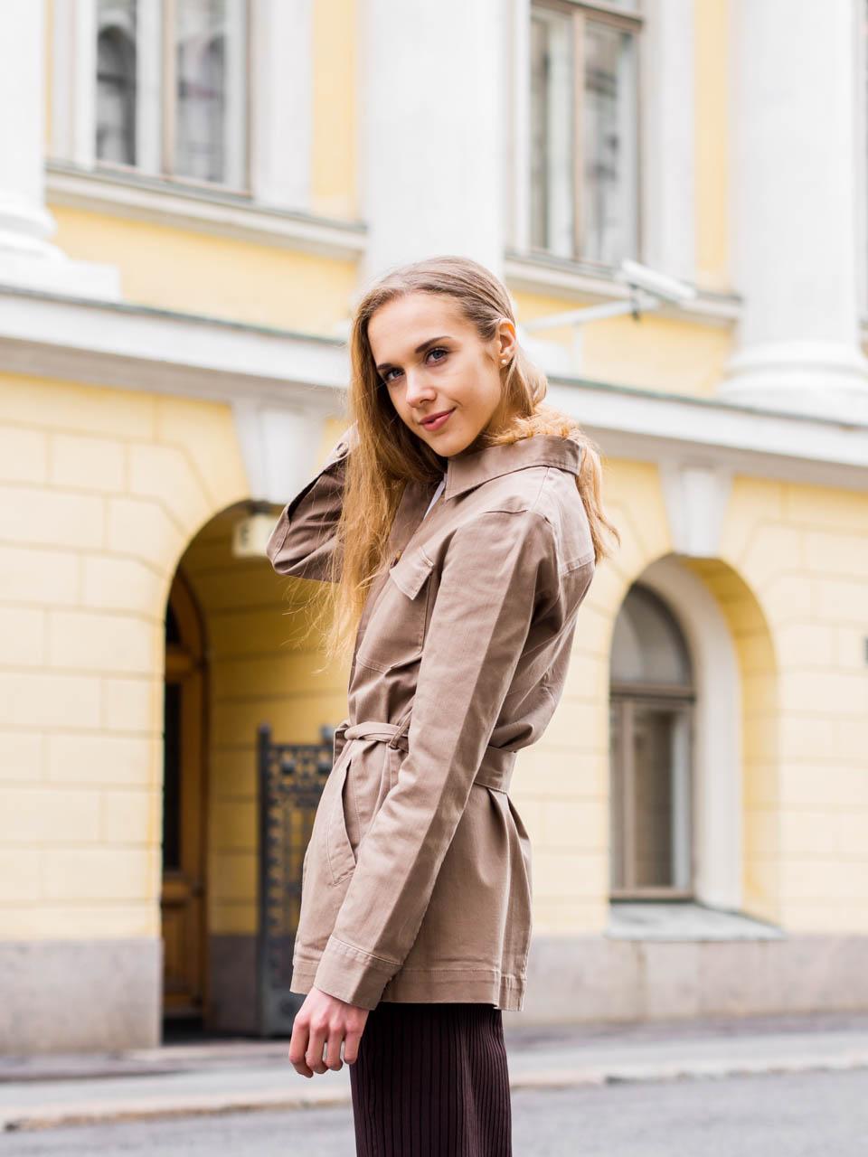utility-trend-autumn-fashion-minimal-chic-feminine-style-syysmuoti-trendit-asuinspiraatio-muotiblogi-streetstyle