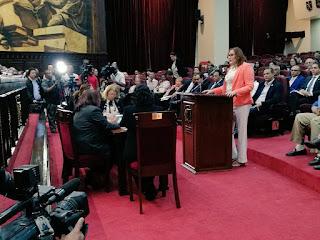 Janet Camilo denuncia esposo amenaza de muerte a regidora para tomar su cargo