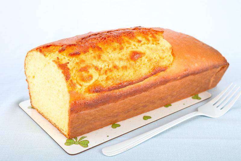Kuchen aus der Kastenform. Edyta Guhl.