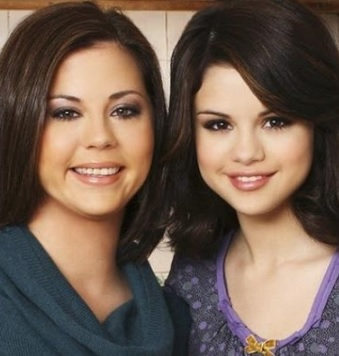 Foto de Selena Gómez junto a su madre