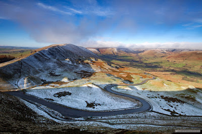 The winding road to Edale