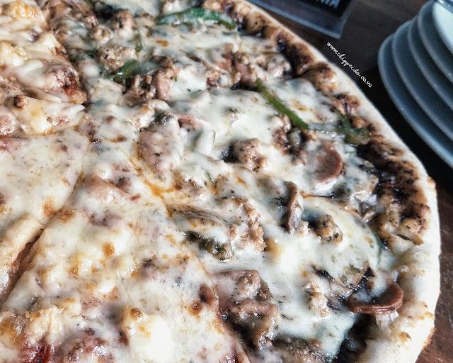 pizza combi surabaya