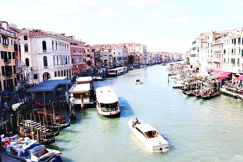 Venecija pogled sa Rialto mosta