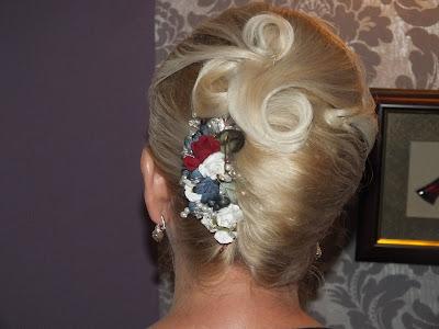 kwiatowa ozdoba włosów