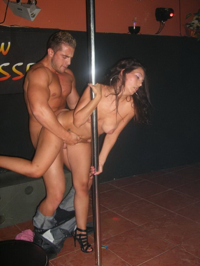 Bachelorette party fucks stripper