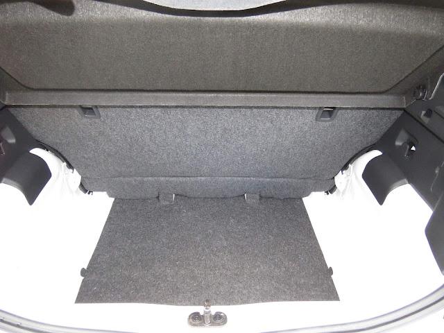 VW Up! 2018 - take Up - porta-malas com 285 litros
