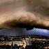 Fantasztikus felvétel: így csapott le egy éve Budapestre a vihar, szupercellával