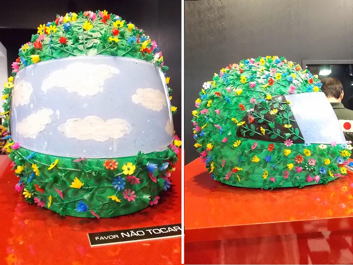 capacete feito por Fernanda Takai em homenagem a Ayrton Senna