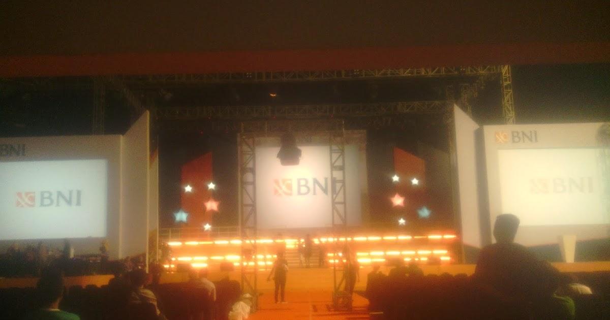 Dekorasi, panggung, set backdroop: BNI Senayan Tennis