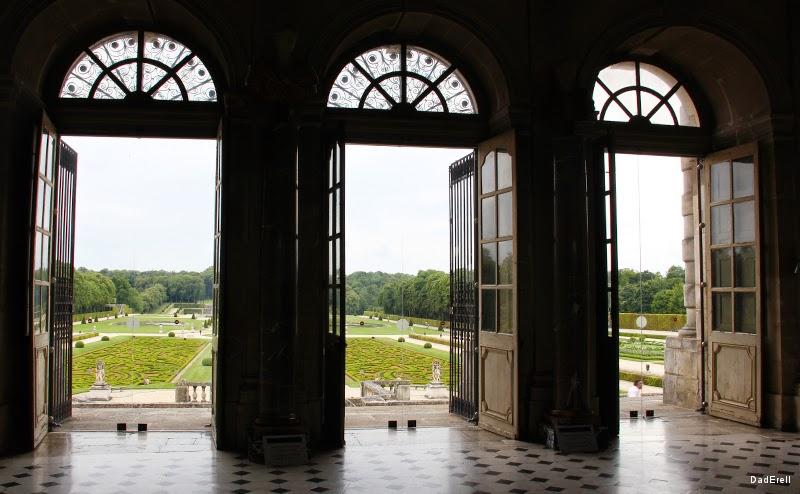 Château de Vaux le Vicomte, grand salon.