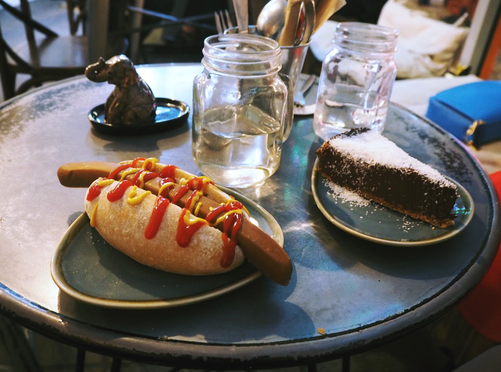 london vegan hippo hotdog blt