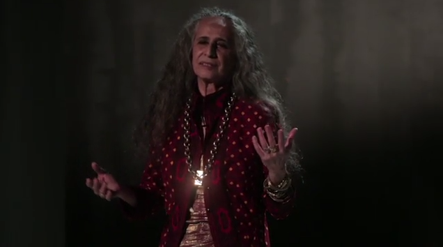 Maria Bethânia estreia programa de poesia na TV Paga