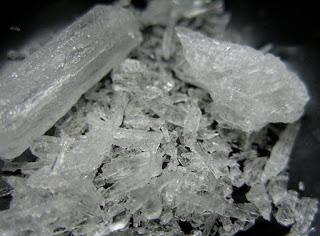 foto cristal metanfetamina azul incolor
