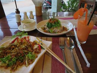 ミャンマー料理の写真