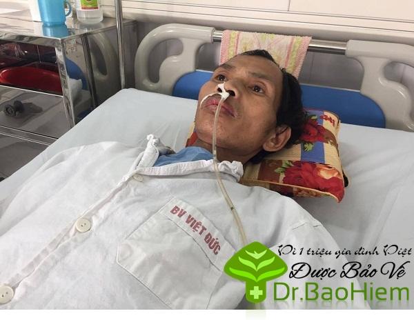 Chồng chết dần vì ung thư, vợ ôm ba con thơ bất lực