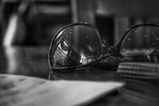 Puisi Kesedihan: Perapian Perapian Kecil
