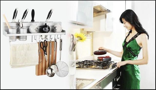 Kệ gia vị nhà bếp đầy đủ tiện nghi