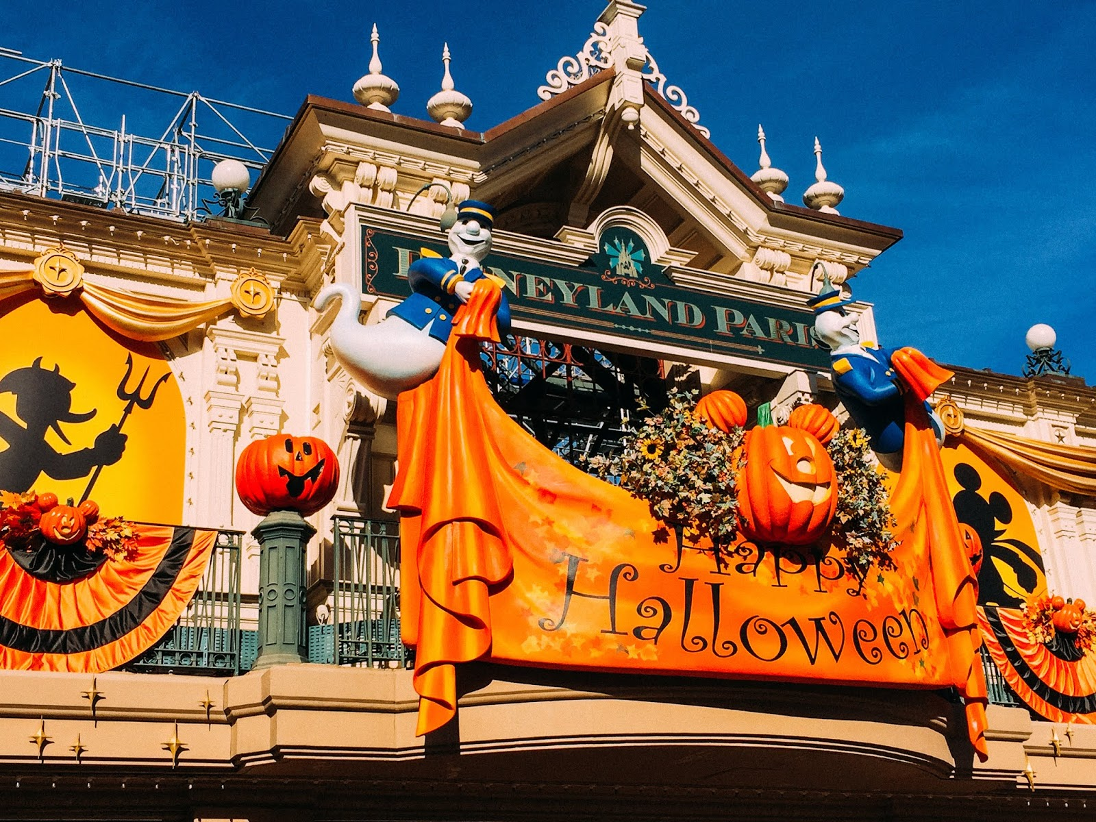 Sew Cute Tbt Halloween At Disneyland Paris