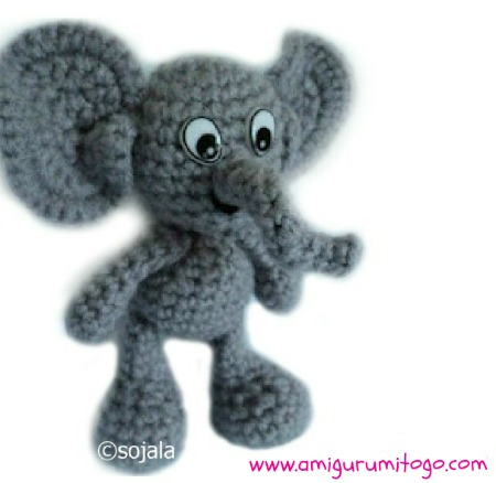 E is for Elephant: Crochet Elephant Applique - Repeat Crafter Me | 438x450