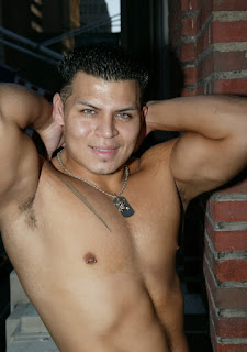 Hot muscle latino Alan shows his Body