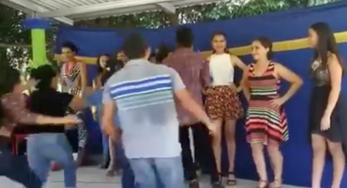 Video: Así terminó un concurso de belleza tras conocerse la ganadora