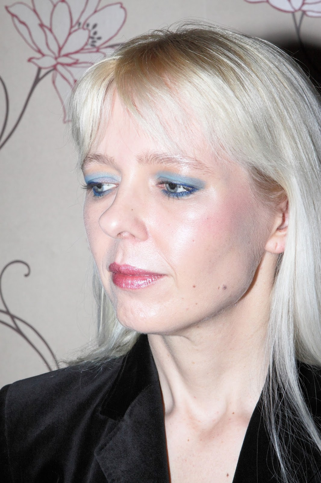 Blue Eyeshadow Makeup Look