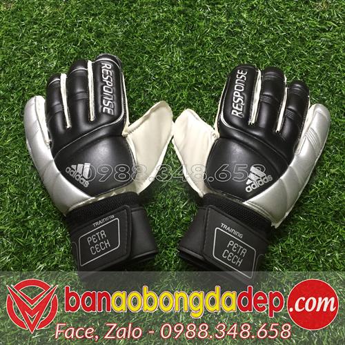Găng tay thủ môn Adidas Petrcech màu đen