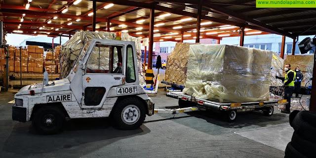 Llegan dos nuevos cargamentos adquiridos directamente por el Gobierno de Canarias con 58.200 kits para diagnóstico y  1,5 millones de mascarillas