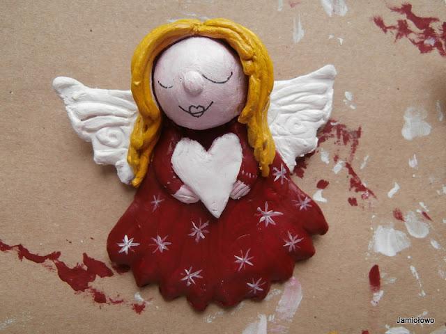malowanie ust aniołka