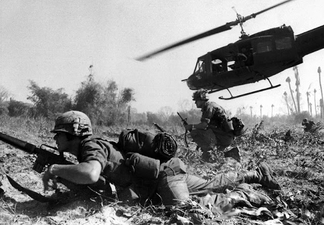 Image Attribute: US Army soldiers disembarking from helicopters in the Ia Drang Valley, 1965 Source: Wikimedia Commons