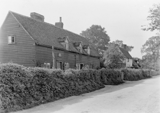 Photograph of Pancake Hall Cottage, Dixons Hill Road, Welham Green, demolished in 1905. Image by G Knott from Peter Miller's collection