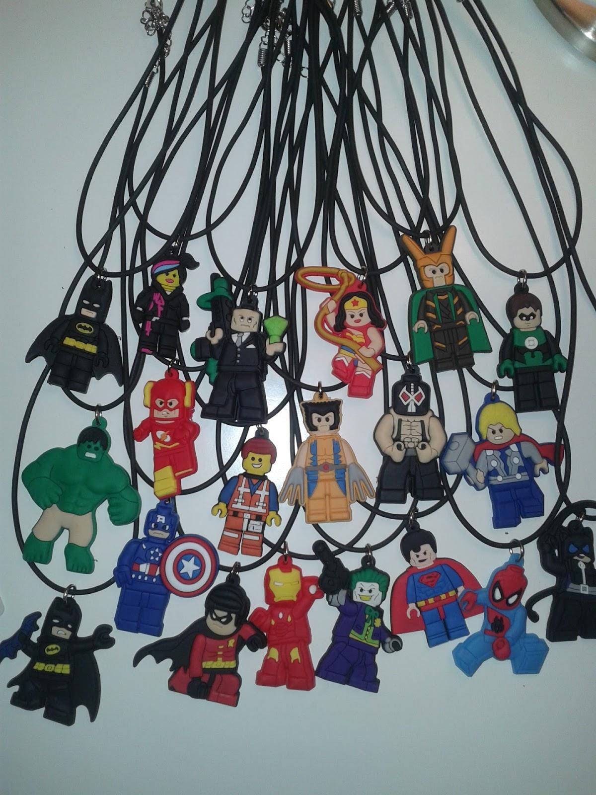 Tutto Spiderman Film Cartone Animato Gadget 10 Collane Batman Lego