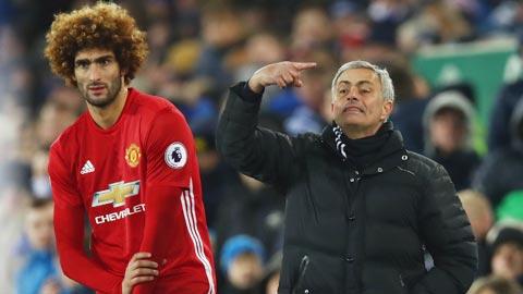 Man United sẽ để Fellaini ra đi