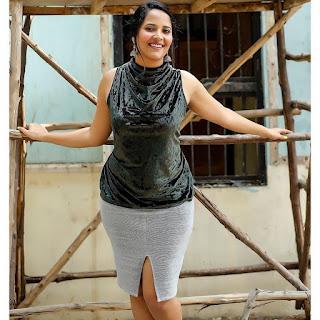 Television Actress Anasuya Bharadwaj In Sleeveless Yellow Saree Navel Queens