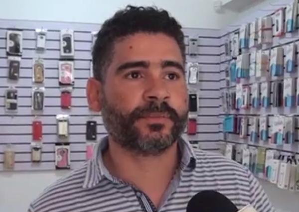 Roban en tienda de celulares previo a huelga en SFM