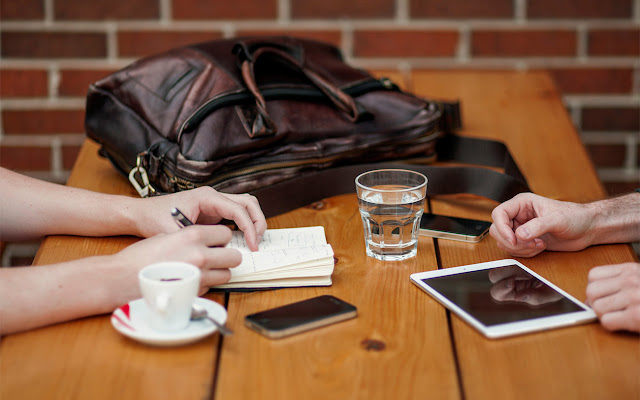 7 kroków, by wyjść z pułapki bycia zajętym i stać się efektywnym