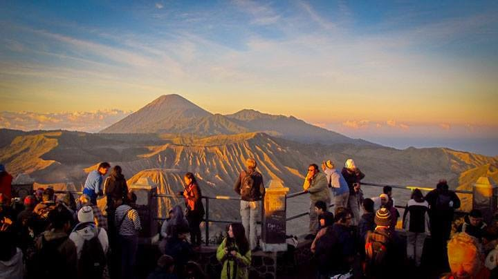 Bromo - Ijen Crater Tour Package 3 Day 2 Night