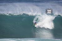 34 Kelly Slater Billabong Pipe Masters foto WSL Damien Poullenot