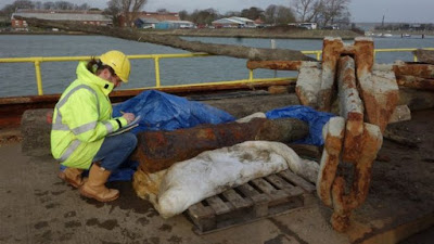 Iron cannon found during Portsmouth harbour dredging