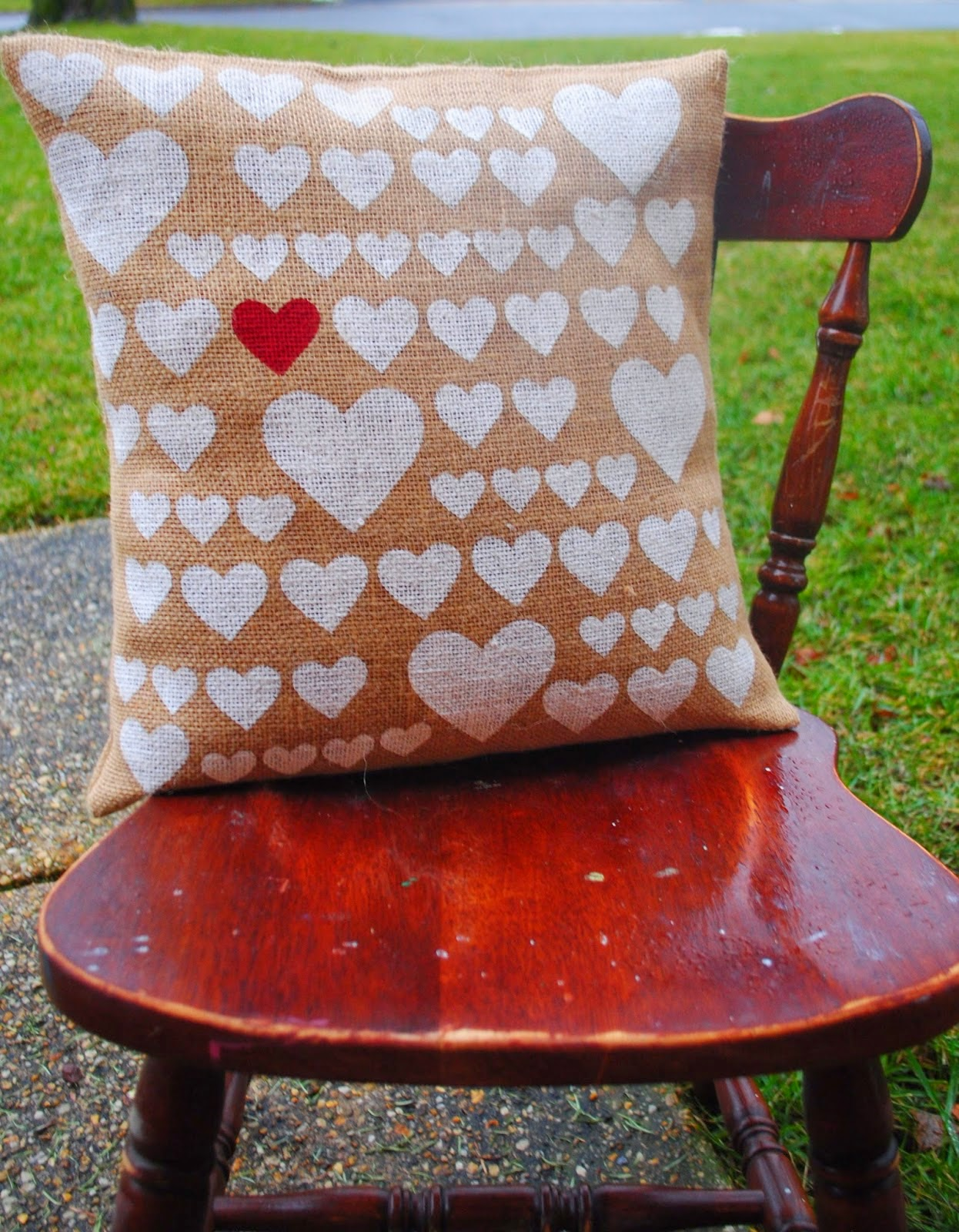 Silhouette, Silhouette project, valentine's day, project idea, pillow cover, hearts