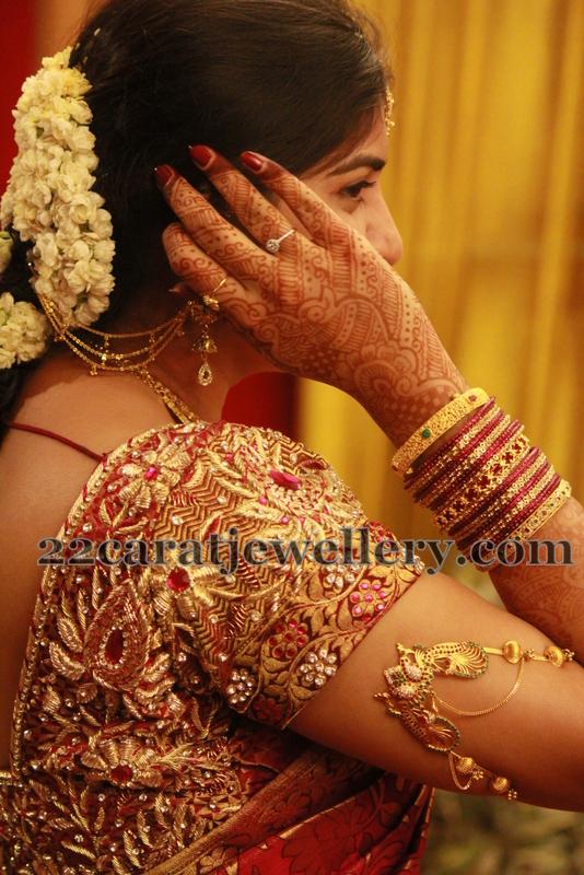 Bride In Classy Ara Vanki Jewellery Designs