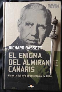 Portada del libro El enigma del almirante Canaris, de Richard Bassett