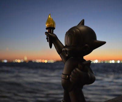 Astro Boy Statue of Liberty Black Edition Vinyl Figure by ToyQube