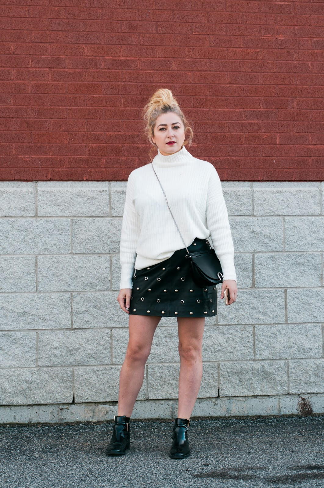 how to wear a miniskirt in fall