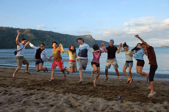 Photos-of-friends-on-the-beach